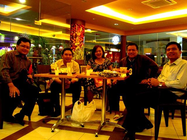 Nonton Timnas Merah Putih bersama Kagama Surabaya